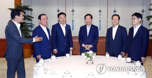 [靑회동 대화록] ② 선거제도 개혁·특별감찰관