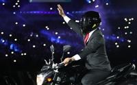 [아시안게임] 오토바이 탄 대통령·화산 성화 점화에 쏟아진 환호