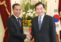 インドネシア大統領と握手
