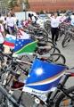 平和願い自転車でパレード