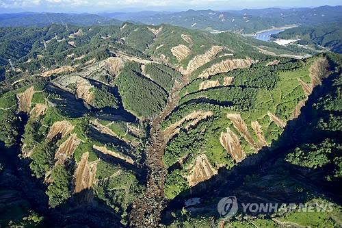 홋카이도 강진으로 발생한 대형 산사태
