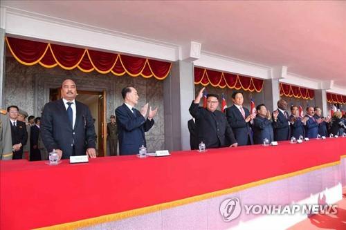 정권수립일 열병식 참석한 김정은·中리잔수