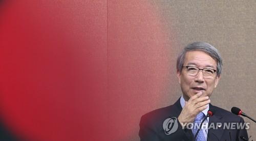 팬들 외면받는 한국야구, 진화나선 정운찬 총재