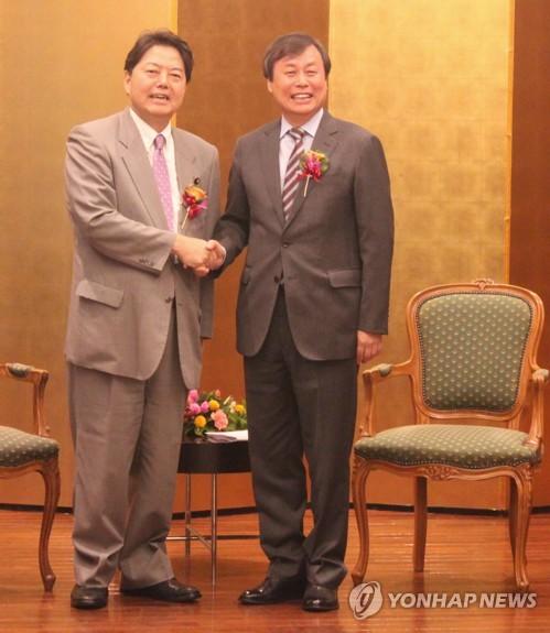 도종환 장관, 도쿄서 한일 스포츠장관 회담