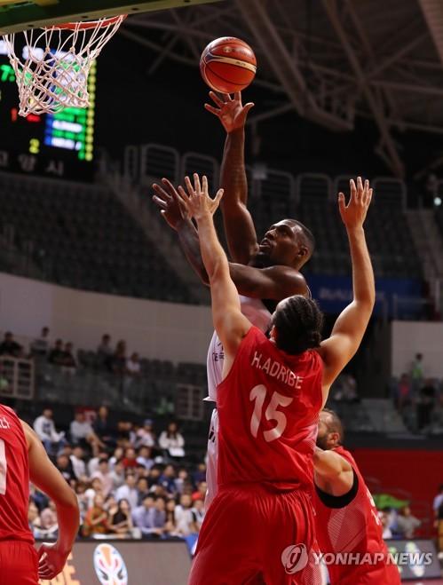라틀리프 41득점…한국 남자농구, 시리아 대파하고 2연승