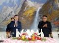 Koreas sign summit agreement