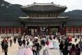 Foule au palais de Gyeongbok