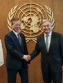 Moon meets with U.N. chief in New York