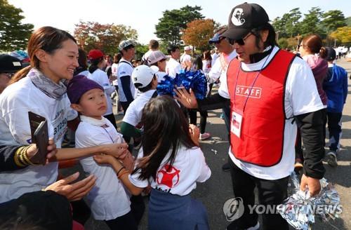 '의리의리' 김보성·'마라톤마니아' 박철…스타들도 대거 참여