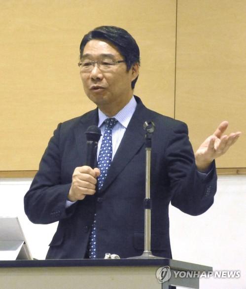 아베 정권 비판하는 마에카와 전 차관