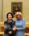 韩法第一夫人同游卢浮宫