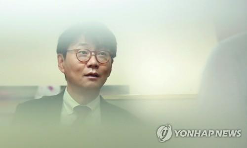 """프로축구 강원FC 조태룡 대표, 사퇴 의사…""""진실 밝혀질 것"""""""