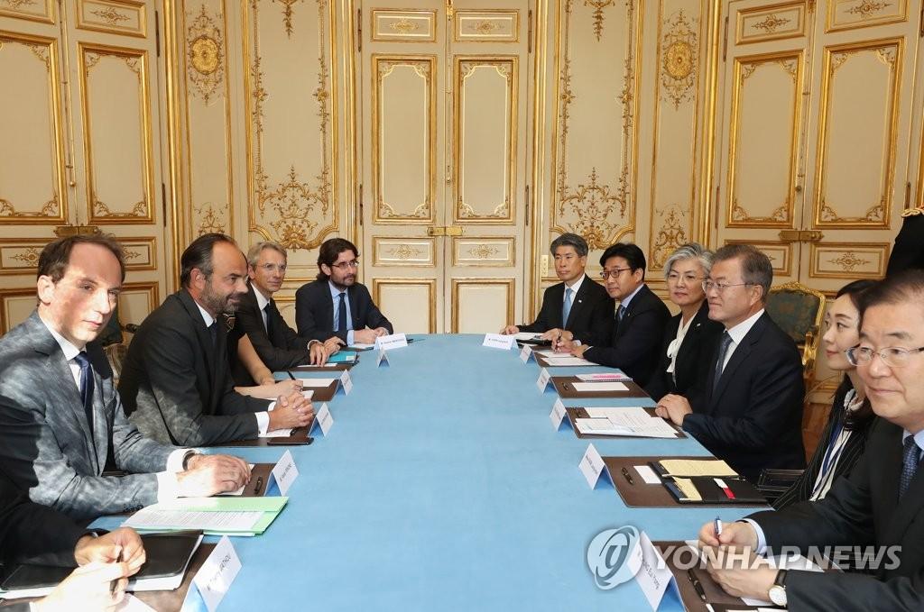 문 대통령, 필리프 프랑스 총리와 오찬 회담