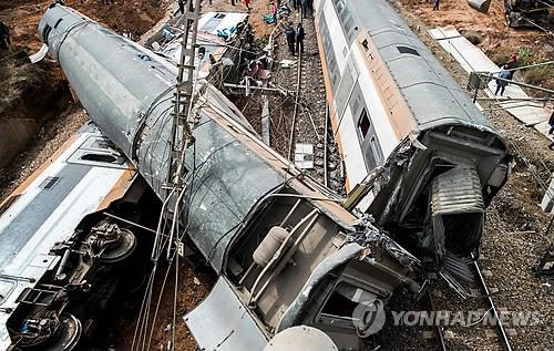 모로코서 열차탈선으로 최소 7명 사망…부상자도 80여명