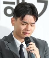 """이석철 측 """"본질은 폭행""""…소속사 주장 반박·추가 증거 공개"""