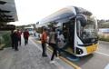 燃料電池車の路線バス  初運行