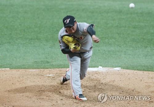 '아쉬운 4회' 한화 박주홍, 3⅔이닝 3실점 2자책 역투