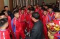 Un grupo de jóvenes futbolistas norcoreanos en el Sur