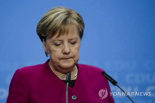 퇴진예고 메르켈 국제무대 협상 지위에 어떤 변화 없을 것
