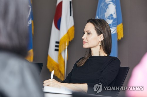 """앤젤리나 졸리 """"난민, 본국 귀환까지 도와야…한국정부에 감사"""""""