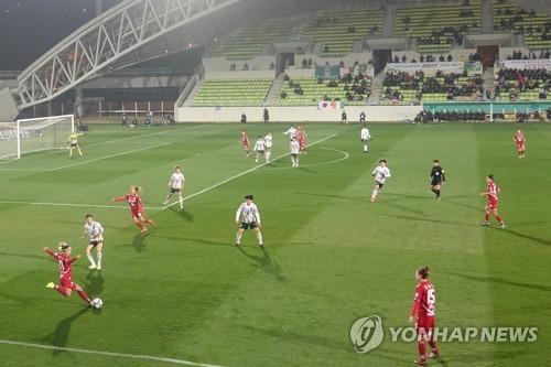 '후반에만 4골' 여자축구 경주 한수원, 서울시청 잡고 2연승