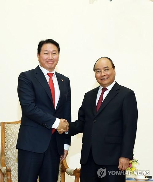 SK 최태원 회장, 베트남 총리와 파트너십 논의