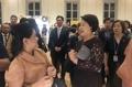 韩印尼第一夫人欢谈