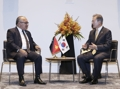 Moon meets Papua New Guinea PM