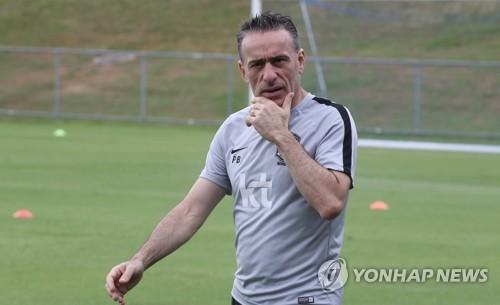 S. Korea football coach hints at lineup change for Uzbekistan friendly
