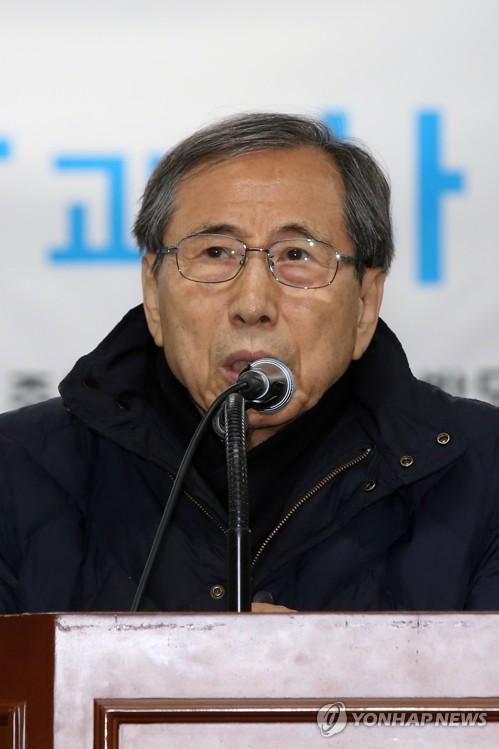 """함세웅 신부 """"과거 고문 피해자, 물질 보상보다 치유"""""""