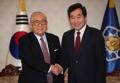 李首相 日韓協力委メンバーと会談
