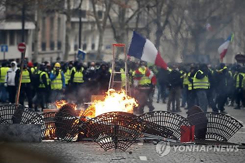 마크롱식 개혁 좌초로 유럽에 드리운 어두운 그림자