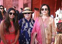 인도 최고 갑부 딸 결혼식에 유명인사 총출동…이재용·힐러리도 참석