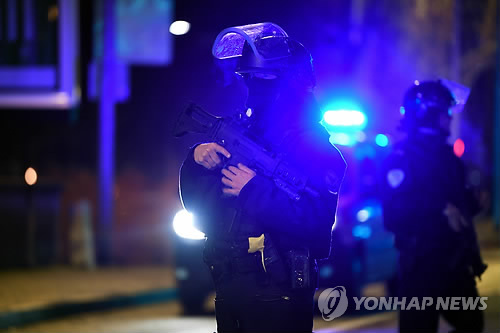 유럽, 스트라스부르 총격 사건 계기 크리스마스 시장 경계 강화