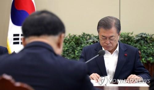 문대통령, 체감경기 '경고음'에 '경제성과 도출' 총력 태세
