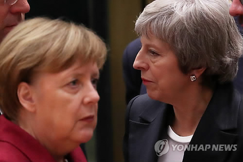 """英메이 """"의회, 더많이 원해""""…EU """"아무리줘도 부족하다고 할 것"""""""