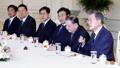 文大統領 韓日・日韓議連と面会