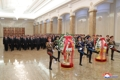 El líder norcoreano visita el mausoleo familiar