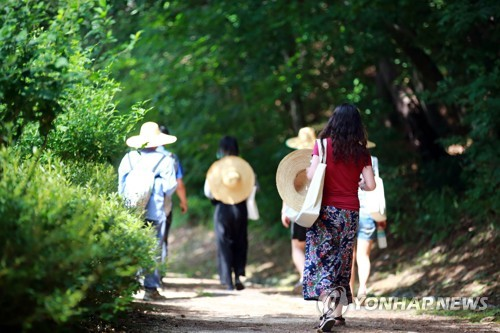 3.3㎡ 독방에서 자신을 돌아본다…홍천 행복공장의 특별한 캠프