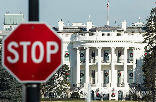 美셧다운 앞길 안보이는 대치 계속…트럼프 또 민주당 비판