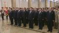 El líder norcoreano visita el mausoleo de Kumsusan