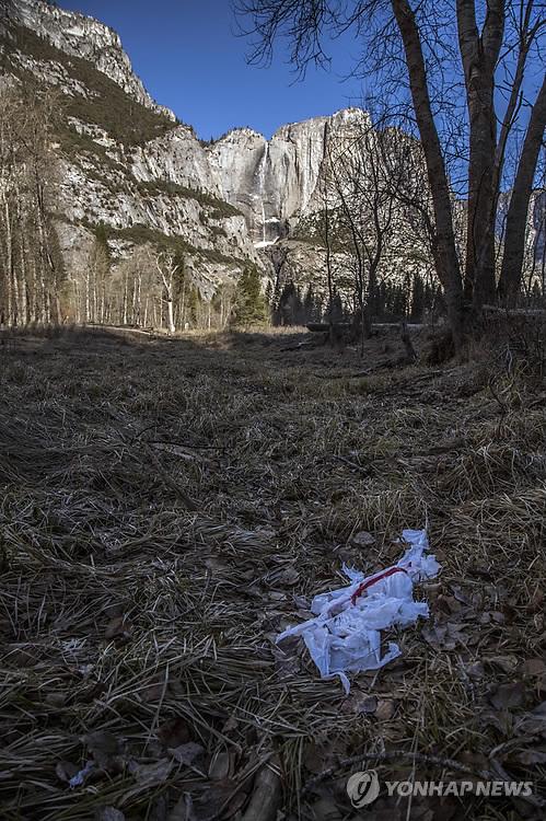 셧다운에 美국립공원 쓰레기 비상…요세미티 일부 캠프장 폐쇄