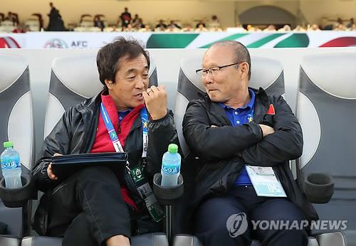 '박항서 조력자' 이영진, 베트남 U-22 대표팀 지휘