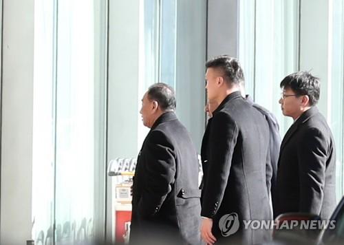 워싱턴 방문 北김영철, 베이징 1박 후 귀국…中측과 환담(종합2보)