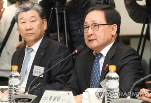 """유영민 과기장관 """"5G시대 대비 기업 간 협력강화 필요"""""""