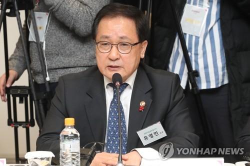 """유영민 과기장관 """"5G시대 대비 기업 간 협력강화 필요""""(종합)"""