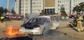 国会議事堂前で車両火災 焼身自殺か
