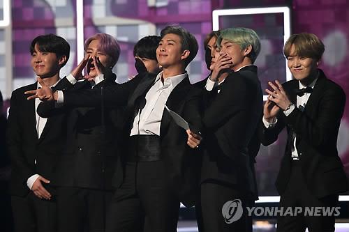 """""""방탄소년단 작년 외국인 앨범 역직구 판매량 1위"""""""