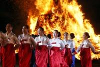 ′정월 대보름′ 전국 행사…구름 사이로 ′슈퍼문′