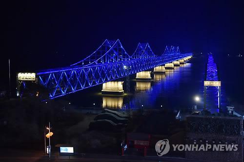김정은 베트남행 동선 주목…中 단둥서 통제 징후(종합2보)
